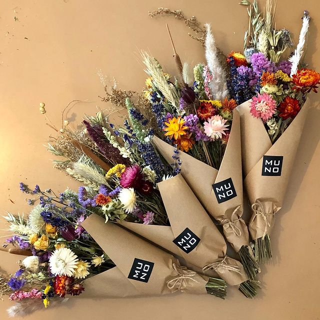 Looking forward to spring ... treat yourself with a dried flowers bouquet #treatyourself #gogreen #driedflowers #getsome