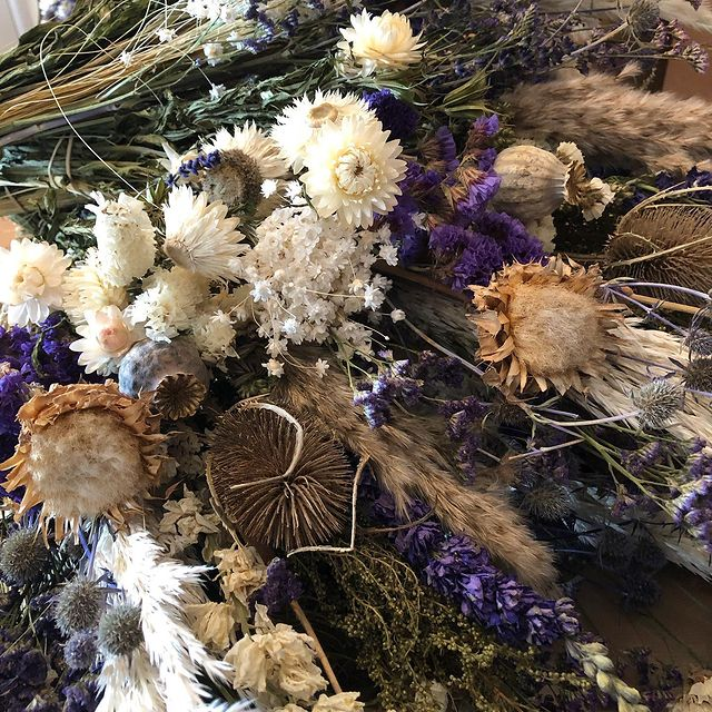Preparing blue bouquets today #driedflowers #driedflowerbouquet #homemade #sustainable #fleurssechees #gedroogdebloemen